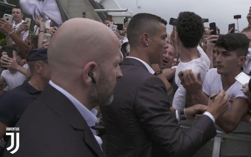Cristiano Ronaldo zorgt voor hysterische fans bij aankomst in Turijn