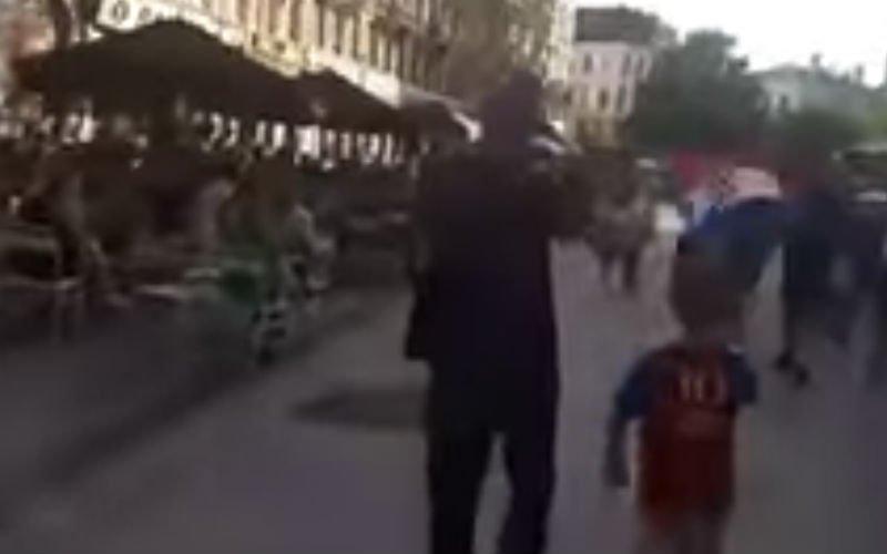 Kleine Kroatië-fan krijgt applaus en staande ovatie in Brussel