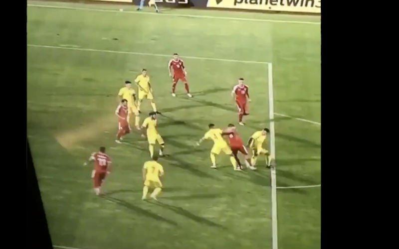 Aleksandar Mitrovic scoort weergaloos doelpunt in Nations League