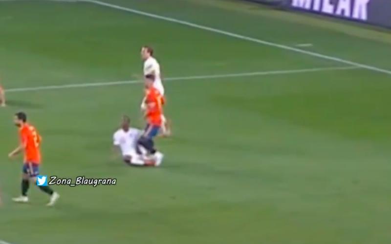 Sergio Ramos komt (wéér) weg met schandalige fout die niemand zag (Video)