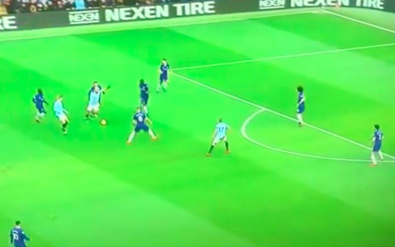 Agüero maakt adembenemende goal tegen Chelsea (VIDEO)