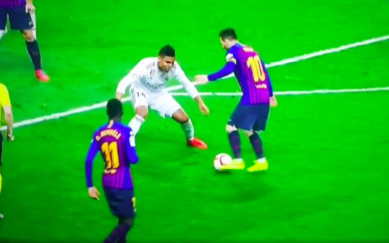 Lionel Messi maakt einde aan de carrière van Casemiro (VIDEO)