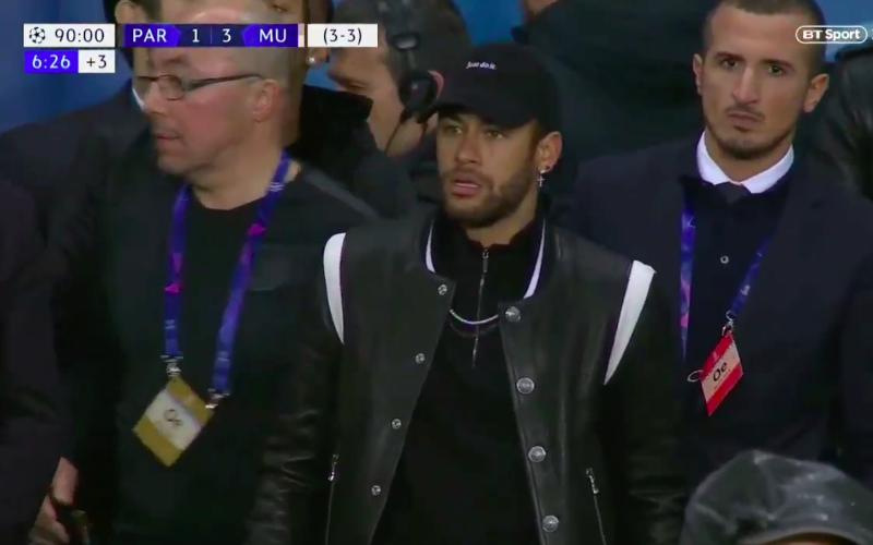 Neymar gaat volledig door het lint na ingreep VAR (VIDEO)