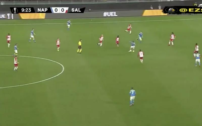Dries Mertens waant zich even Kevin De Bruyne (VIDEO)