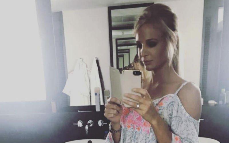 Sexy Annelien Coorevits maakt indruk in bikini