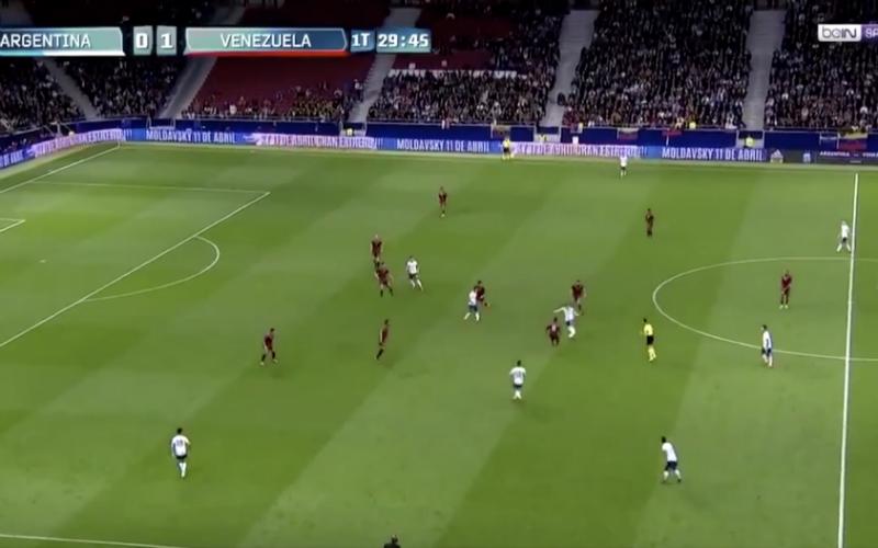 Deze actie van Lionel Messi gaat viraal, je ziet meteen waarom (VIDEO)