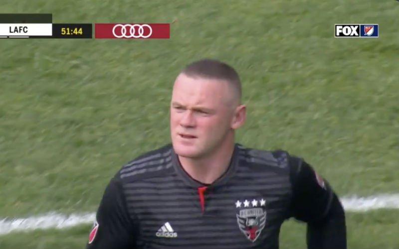 Rooney krijgt donkerrode kaart na schandalige actie (VIDEO)