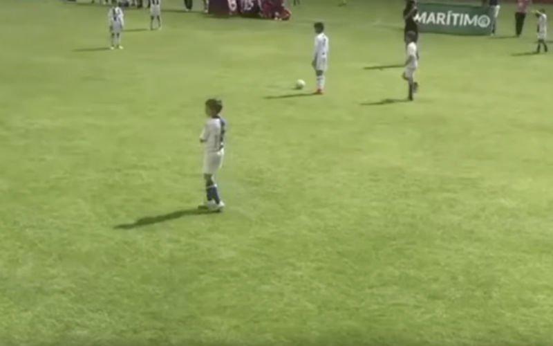 Cristiano Ronaldo Junior scoort 7 (!) keer in één helft (VIDEO)