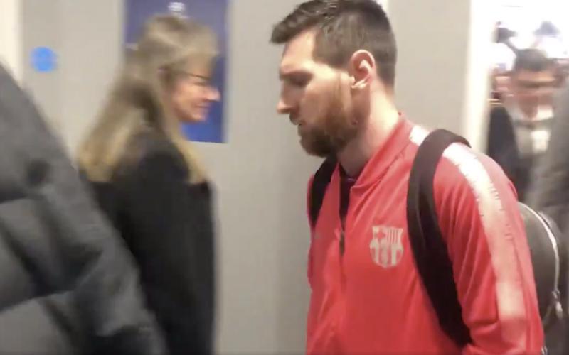 De manier waarop Messi Anfield verlaat breekt het hart van iédere fan (VIDEO)