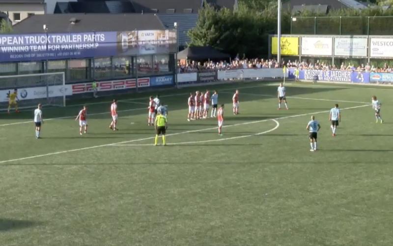 Youngster van Club Brugge maakt héérlijk doelpunt tijdens oefenmatch (VIDEO)