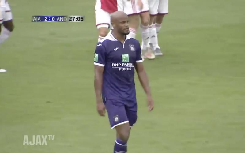 Kompany gaat twee keer zwaar de mist in tijdens Ajax-Anderlecht (VIDEO)