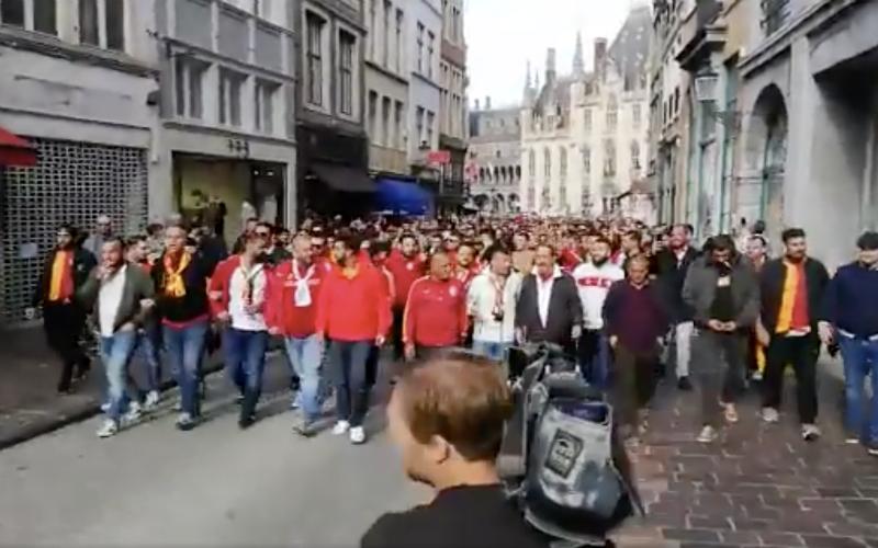 Turkse fans maken amok in Brugge, politie moet ingrijpen (VIDEO)