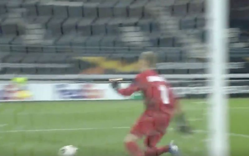 Afschuwelijke blunder van Thomas Kaminski in Europa League (VIDEO)