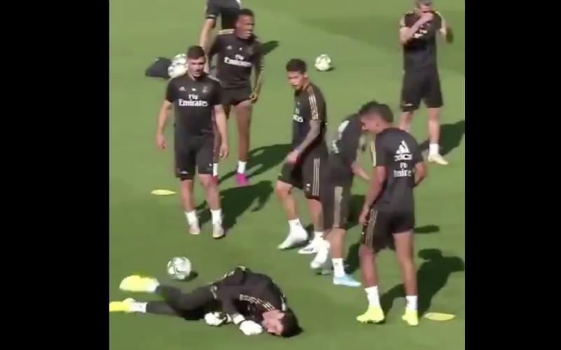 Thibaut Courtois maakt zich compleet belachelijk bij Real Madrid (VIDEO)
