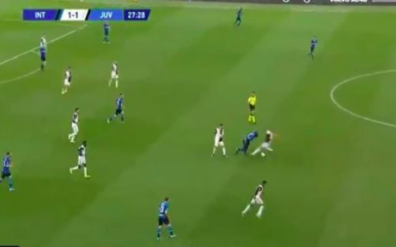 Lukaku maakt de Ligt compleet belachelijk tijdens Inter-Juventus (VIDEO)
