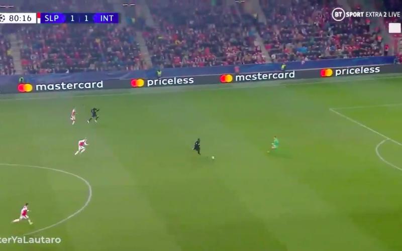 Romelu Lukaku is niet te stoppen en maakt eigenaardig doelpunt (VIDEO)