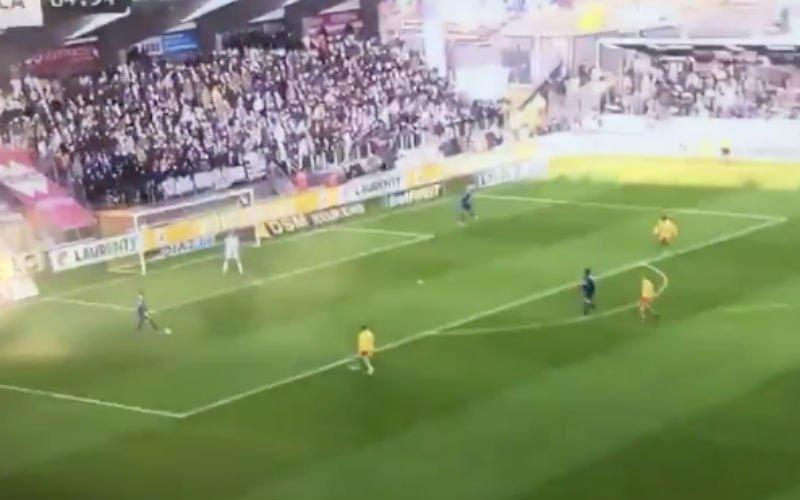 Van Crombrugge gaat gruwelijk in de fout bij Anderlecht (VIDEO)