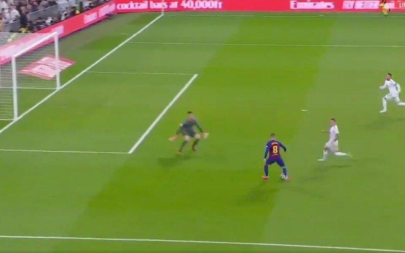 Courtois houdt Messi van goal en pakt uit met buitenaardse redding (VIDEO)
