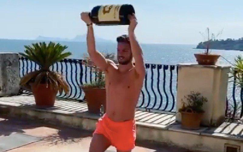 Dries Mertens onderhoudt conditie met geweldige workout (VIDEO)