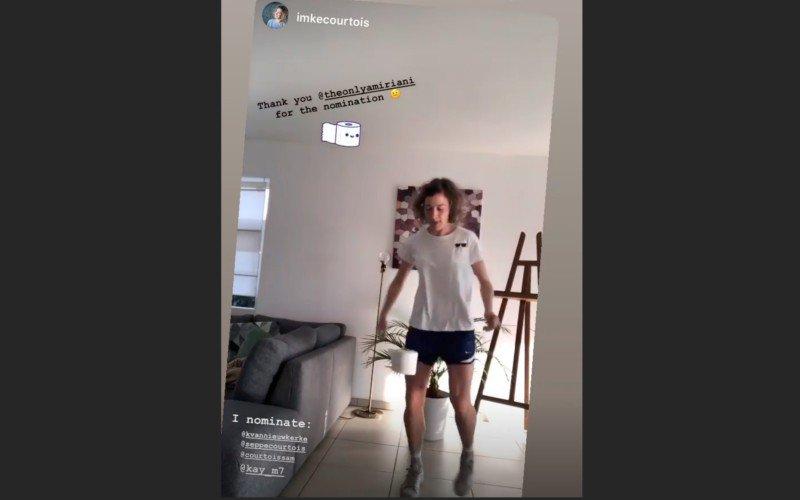 Imke Courtois maakt indruk met wc-rol in #StayAtHomeChallenge (VIDEO)