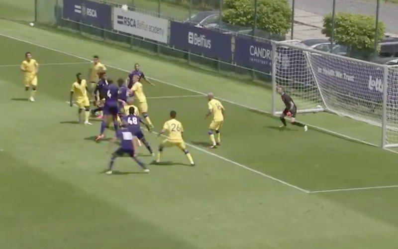 Vincent Kompany maakt serieus indruk in oefenmatch van Anderlecht (VIDEO)