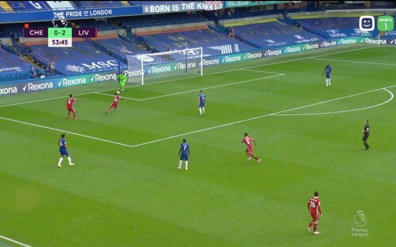 Kepa Arrizabalaga gaat vreselijk in de fout tijdens Chelsea-Liverpool (VIDEO)
