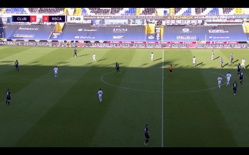 Club-supporters kijken verbijsterd toe tegen Anderlecht: