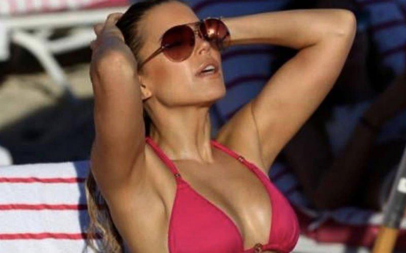 Sylvie Meis doet monden openvallen met deze zéér sexy foto's in bikini