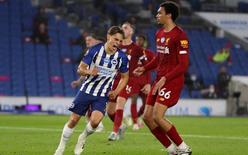 Leandro Trossard pakt uit met heerlijk doelpunt tegen kampioen Liverpool (VIDEO)