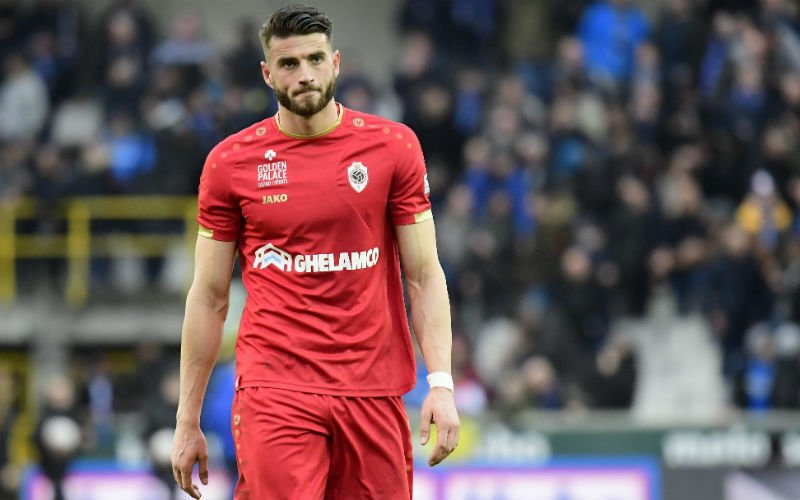 Volgende topclub meldt zich: 'Transfer Wesley Hoedt in de maak'