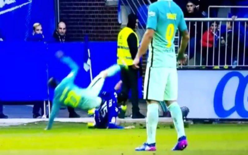Speler van Barcelona loopt horrorblessure op (Video)