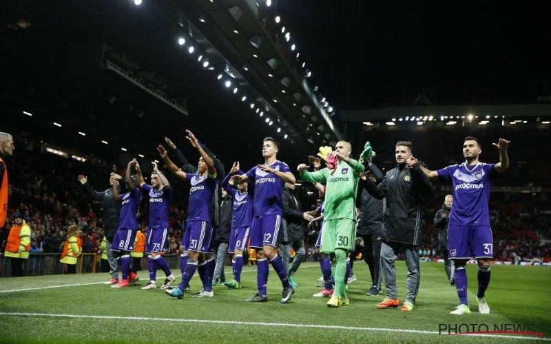 Bekende Antwerp-fan lacht Anderlecht-fans uit met verplaatsing naar Man United
