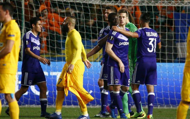Speler van Anderlecht erg gehavend na wedstrijd tegen Apoel Nicosia
