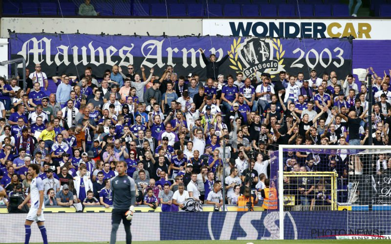 Anderlecht-fans lachen Club Brugge keihard uit