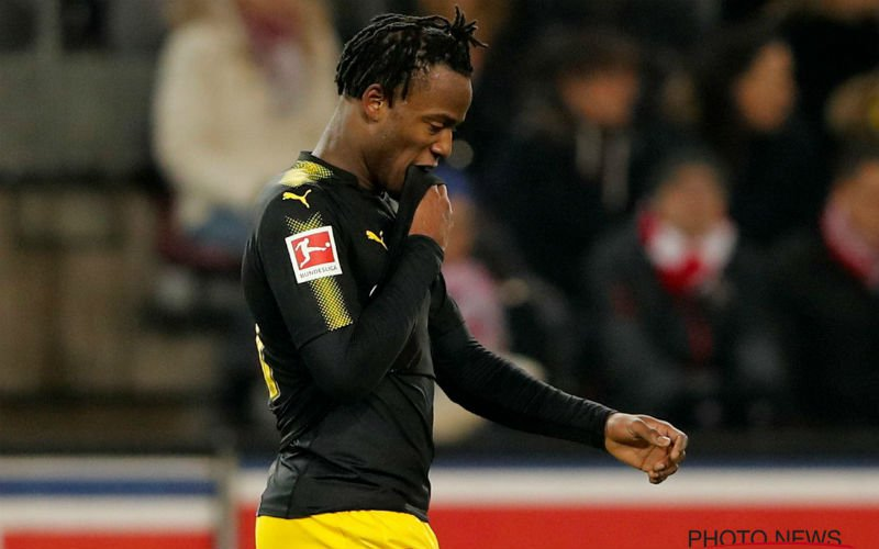 'Batshuayi krijgt verschrikkelijk slecht nieuws van Chelsea en Dortmund'