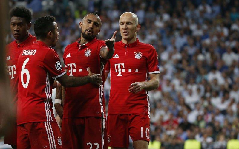 Het is helemaal uit de hand gelopen: Spelers van Bayern München zoeken ref op, politie moet ingrijpen