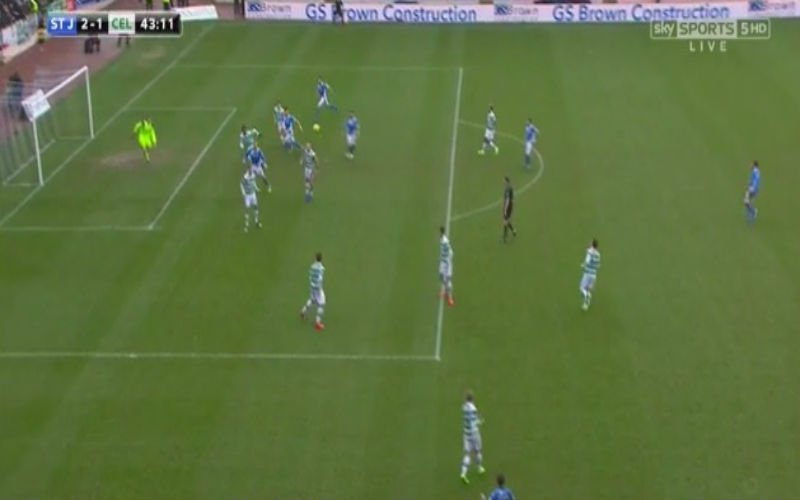 Dedryck Boyata scoort knap doelpunt... in eigen doel (Video)