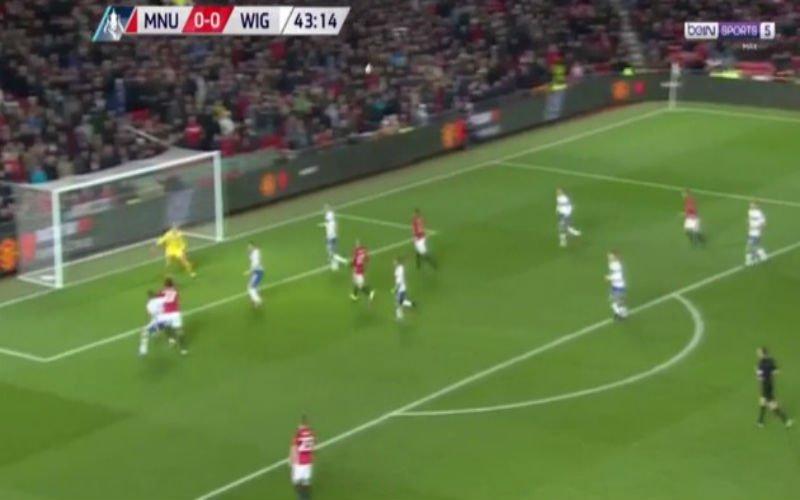 Fellaini scoort alweer voor Manchester United, Schweinsteiger met de knappe assist (Video)