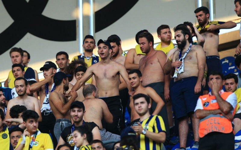 Turkse fans zorgen voor hoogspanning op Anderlecht