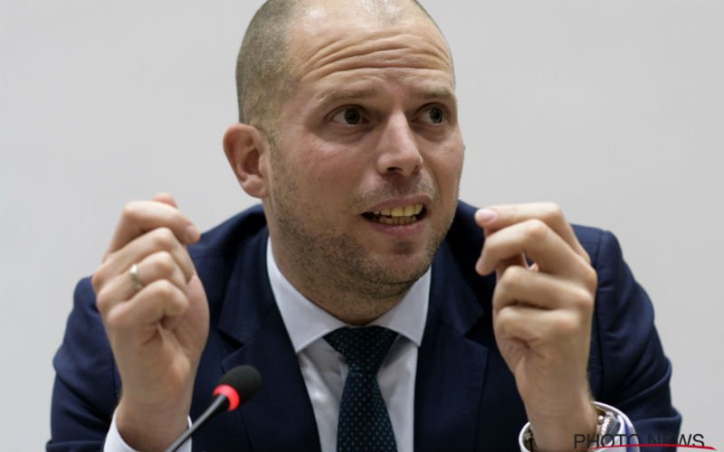 Staatssecretaris Francken haalt keihard uit: