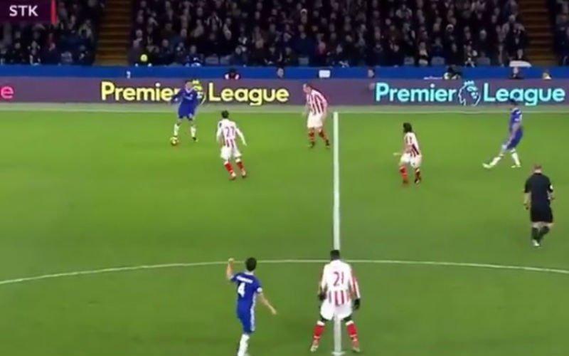 Hazard maakt zijn tegenstander compleet belachelijk met deze actie (Video)