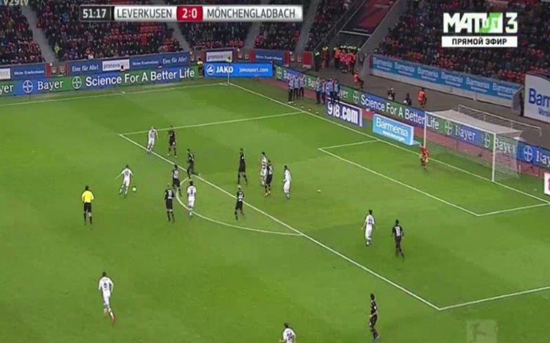 Thorgan Hazard luidt de waanzinnige comeback van zijn ploeg in na vreemde actie (Video)