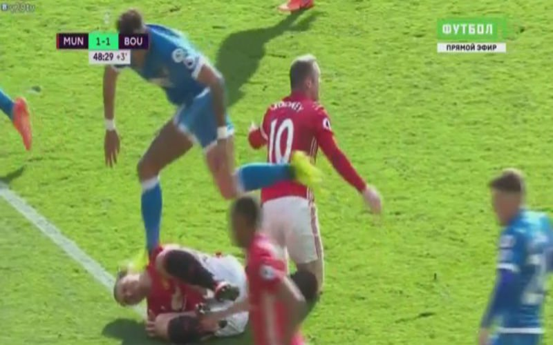 Ibrahimovic krijgt een stamp op het hoofd en doet dan dit om wraak te nemen (Video)