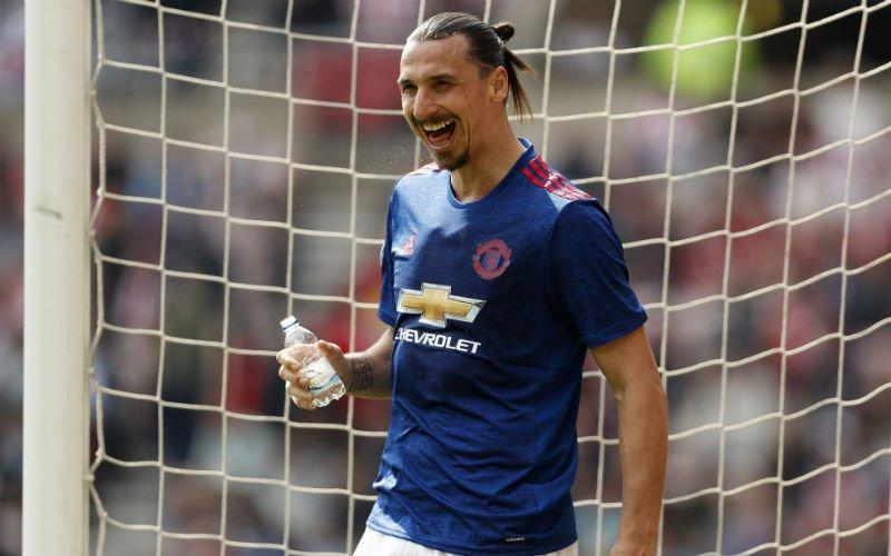 'Ibrahimovic schrikt zich rot na vraag van Mourinho'