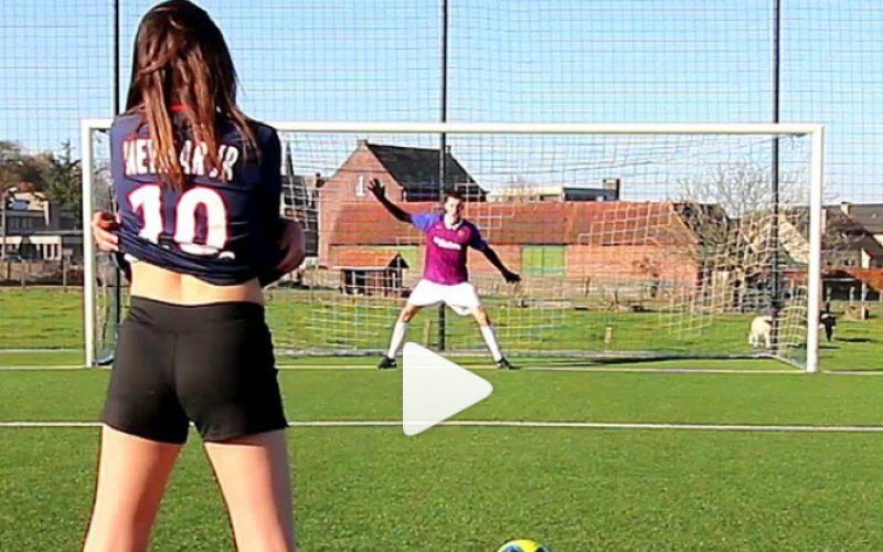 West-Vlaamse trekt shirtje uit en toont hoe sterren penalty's trappen