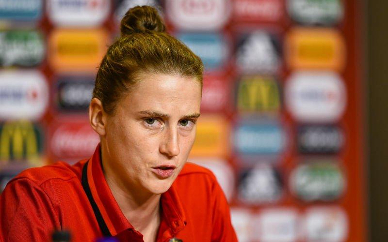 Nieuwe Sporza-analiste schoffeert Belgische fans: