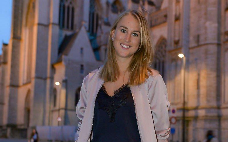 Ze zit niet bij Dries Mertens: Kat Kerkhofs gesignaleerd met deze BV