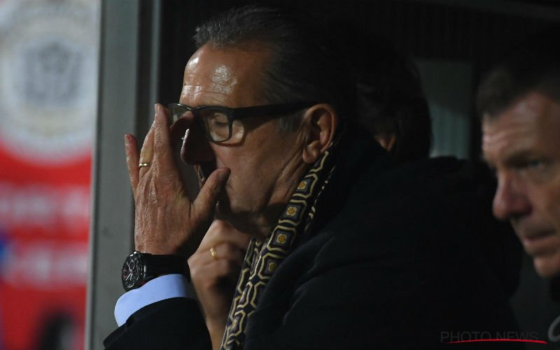 Leekens vernedert speler van Anderlecht