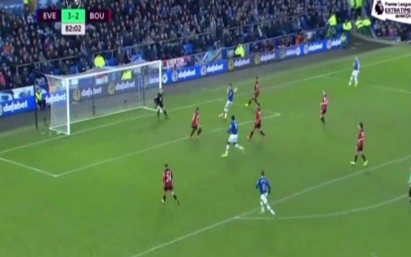 Lukaku maakt hattrick compleet met een volley en scoort daarna meteen zijn 4de (Video)
