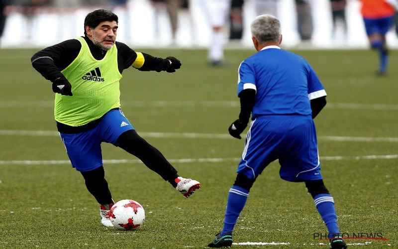 Maradona is de weg weer helemaal kwijt en neemt bizar besluit